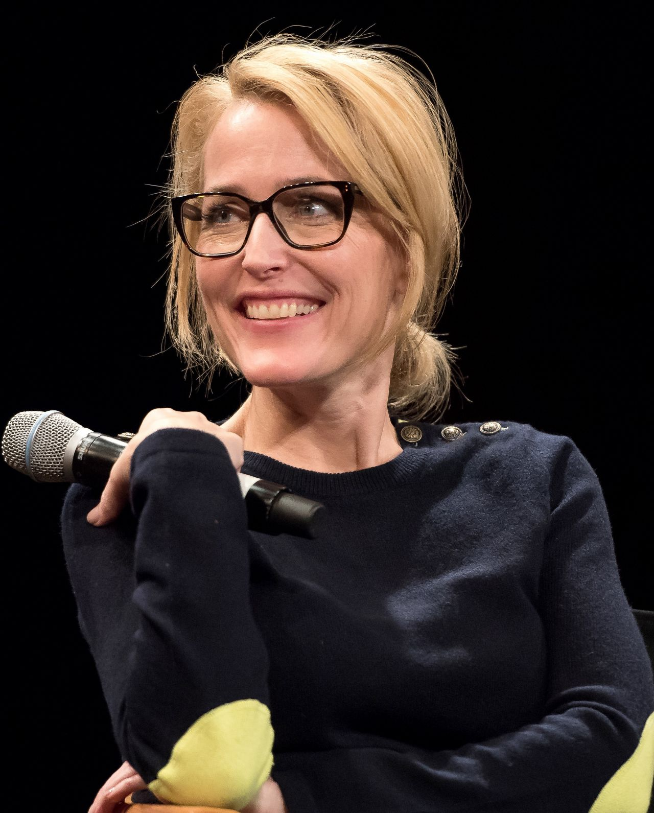 Gillian Anderson Tribeca Talks In Support Of Un Women S