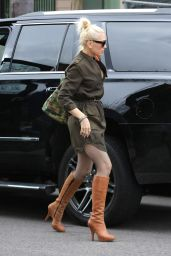 Gwen Stefani Chic Street Style - at a Church in Los Angeles 3/5/ 2017