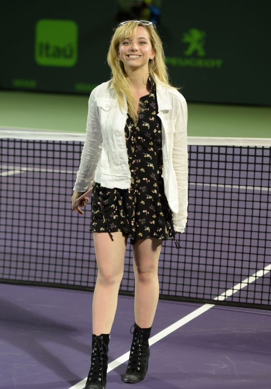 Hailey Knox Performs at The 2017 Miami Open 3/24/ 2017