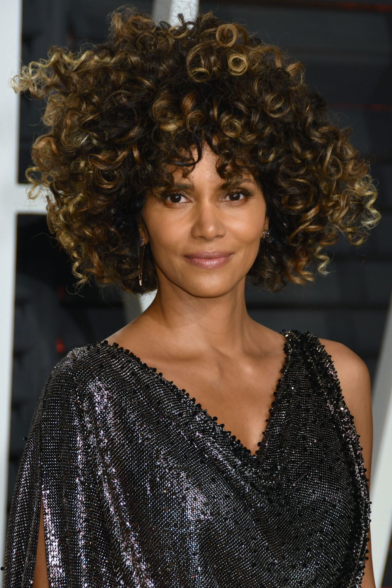 Halle Berry at Vanity Fair Oscar 2017 Party in Los Angeles Halle Berry