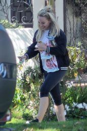 Hilary Duff - Stops By a Friends House in Studio City, CA 3/13/ 2017
