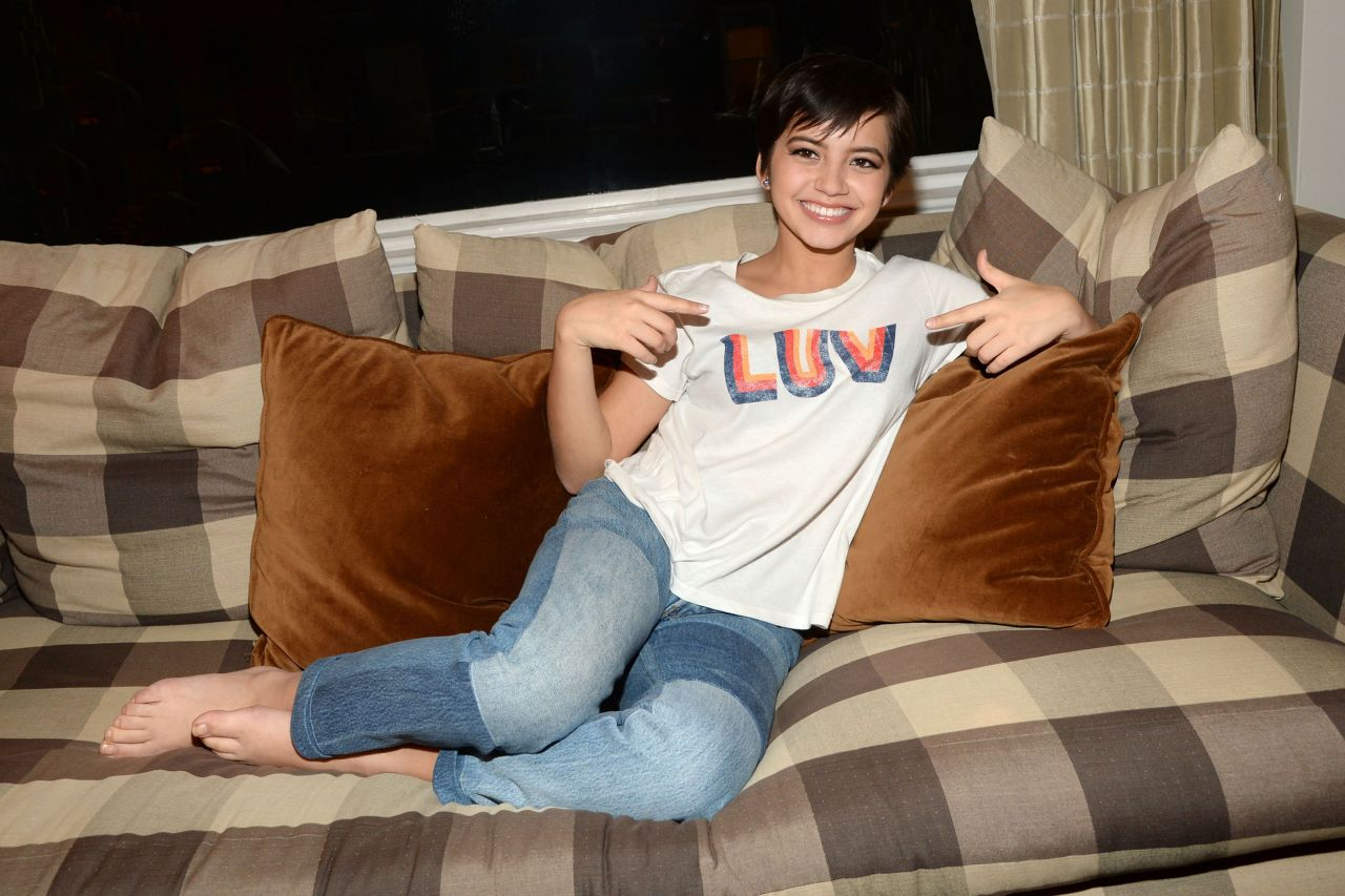 Isabela Moner Posing for Candids and Prepping for an