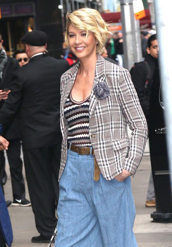 Jenna Elfman at Good Morning America in New York City 3/29/2017