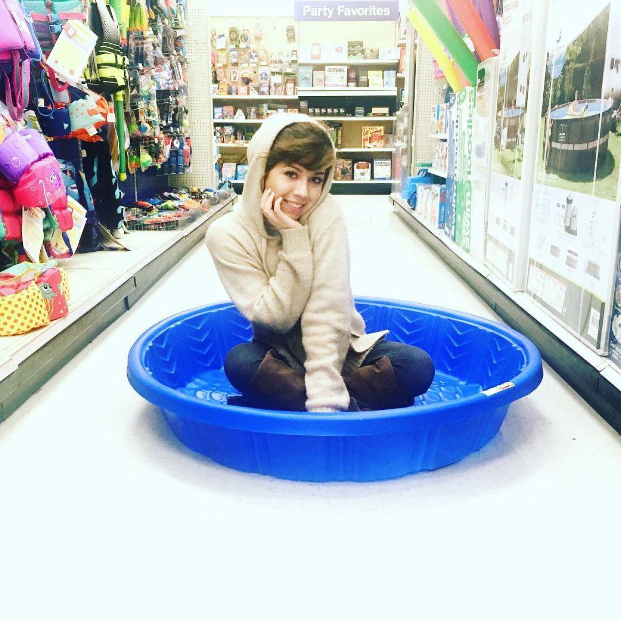Jennette Mccurdy Instagram 2017