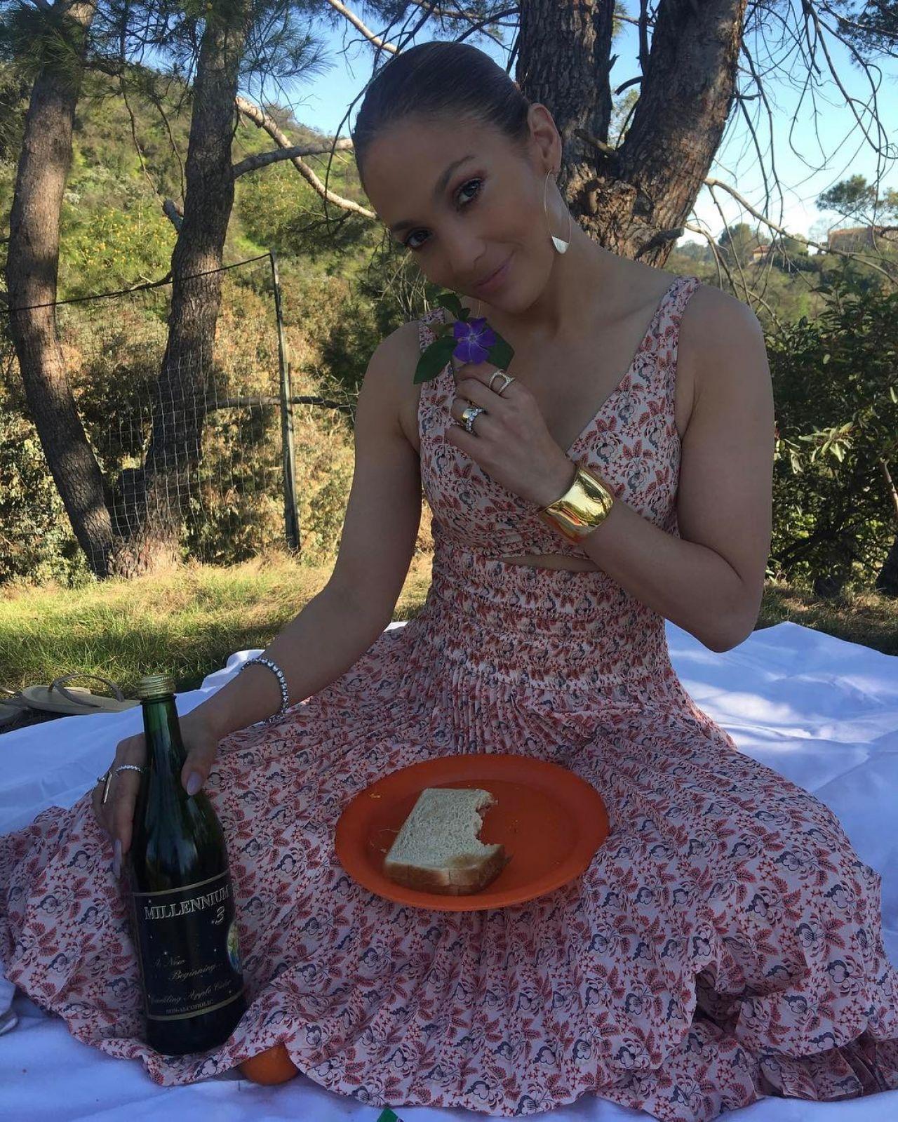 Jennifer Lopez - Facebook and Instagram Photos 3/28/2017 ...
