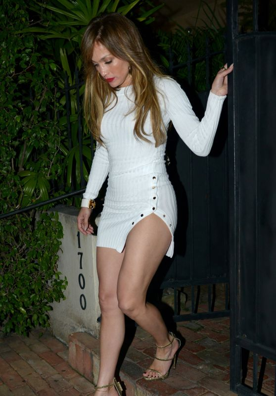 Jennifer Lopez - Joins Alex Rodriguez For a Dinner Date in Miami 3/16/ 2017