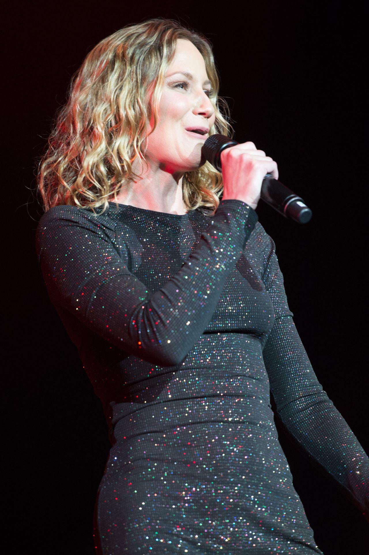 Jennifer Nettles Performs at C2C Country Music Festival in ... Jennifer Nettles