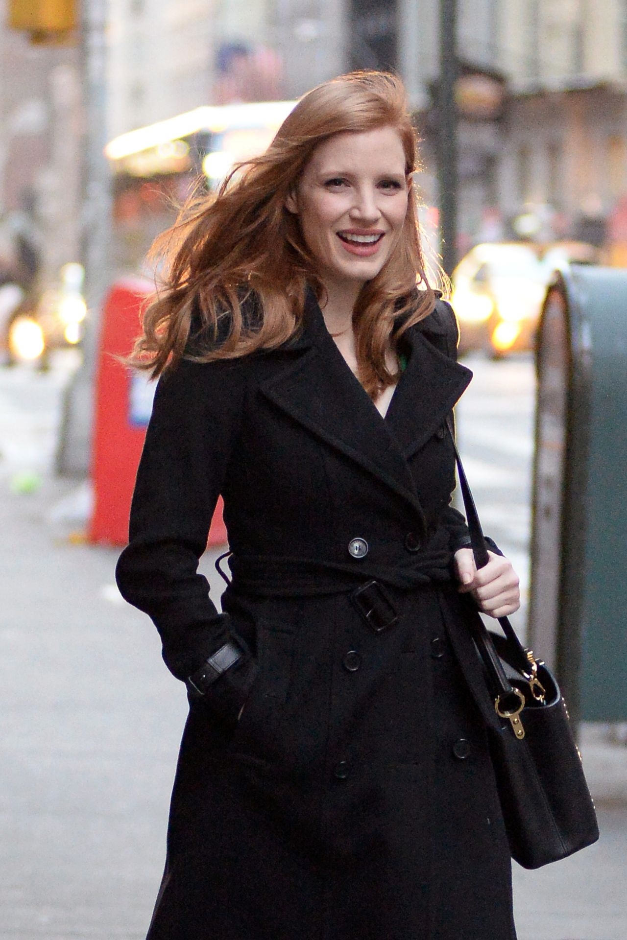 Jessica Chastain Is All Smiles Leaving Her Apartment In Nyc 3 19 2017