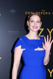 Jessica Chastain - Zoo Keeper