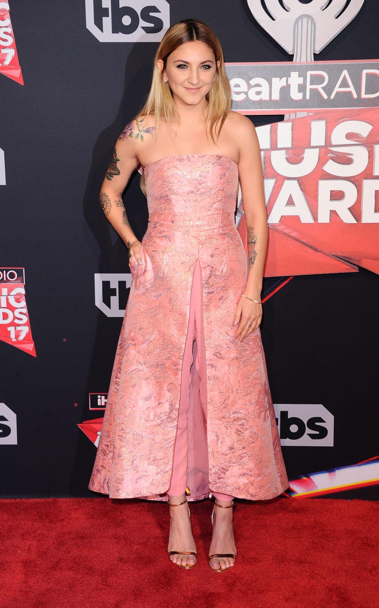 Julia Michaels - iHeartRadio Music Awards in Inglewood 3/5 ...