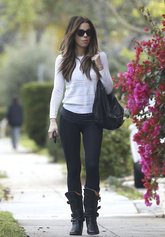 Kate Beckinsale in Casual Attire - Beverly Hills, CA 3/22/ 2017
