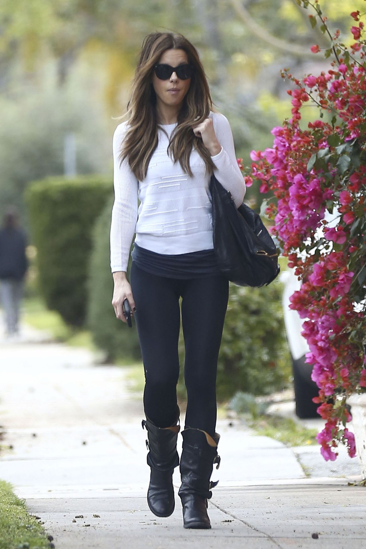 Kate Beckinsale In Casual Attire Beverly Hills Ca 3 22