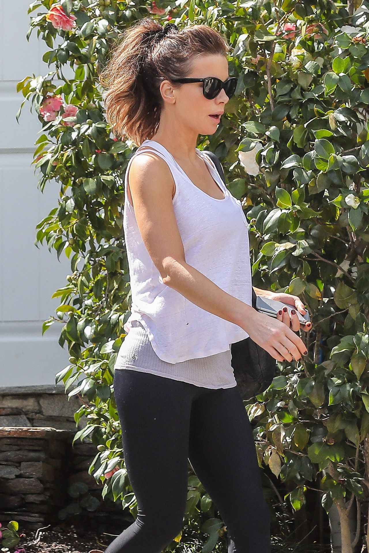Kate Beckinsale - Leaving Her Home in Pacific Palisades in ...