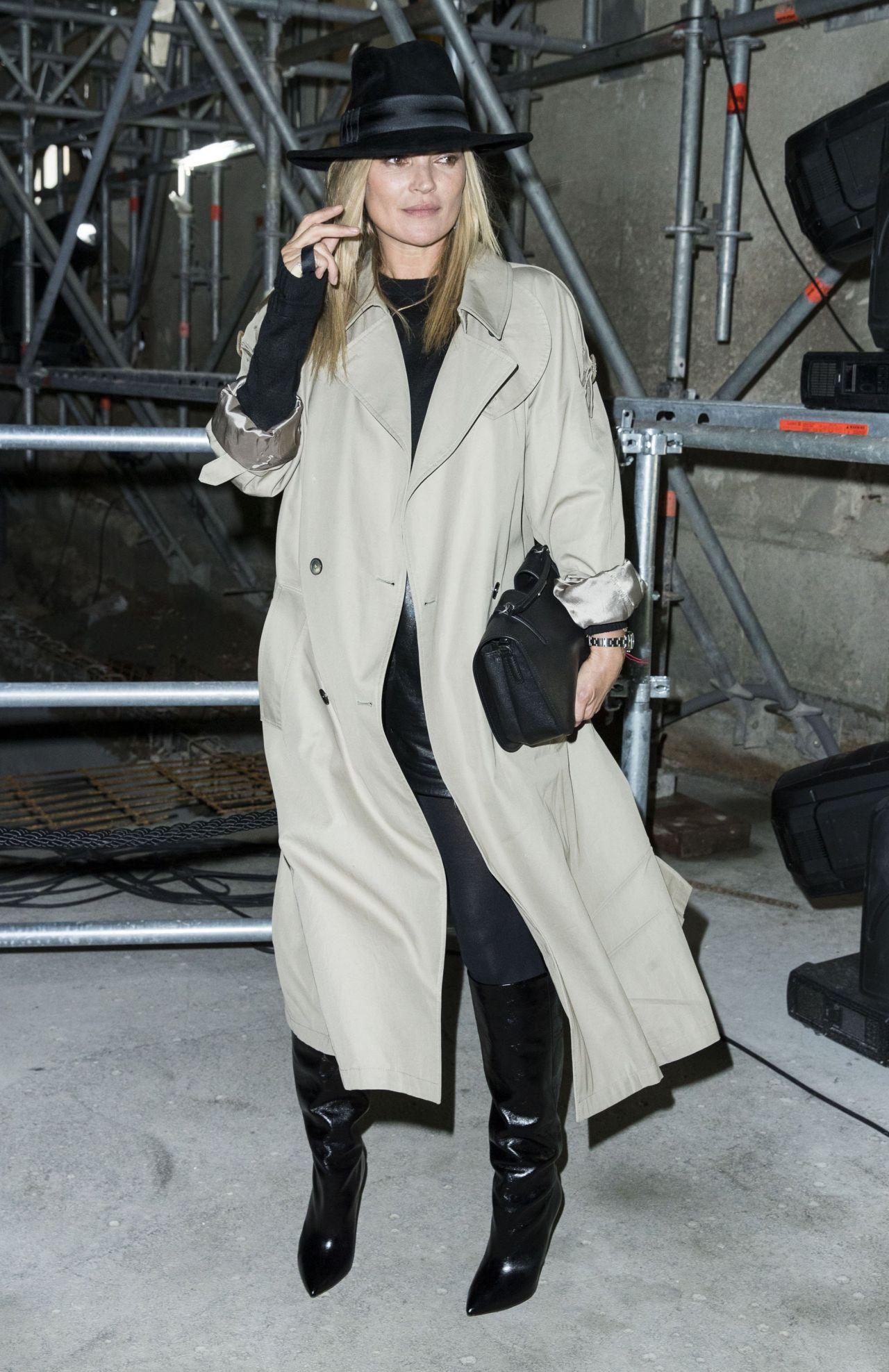 kate moss at paris fashion week � saint laurent show