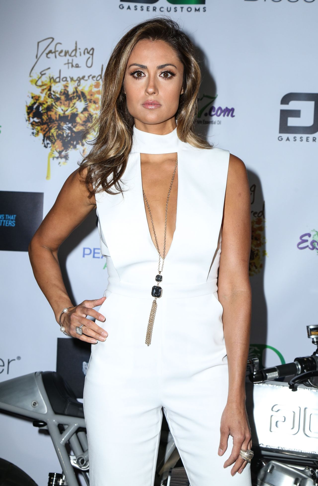 Katie Cleary Nude Photos 14