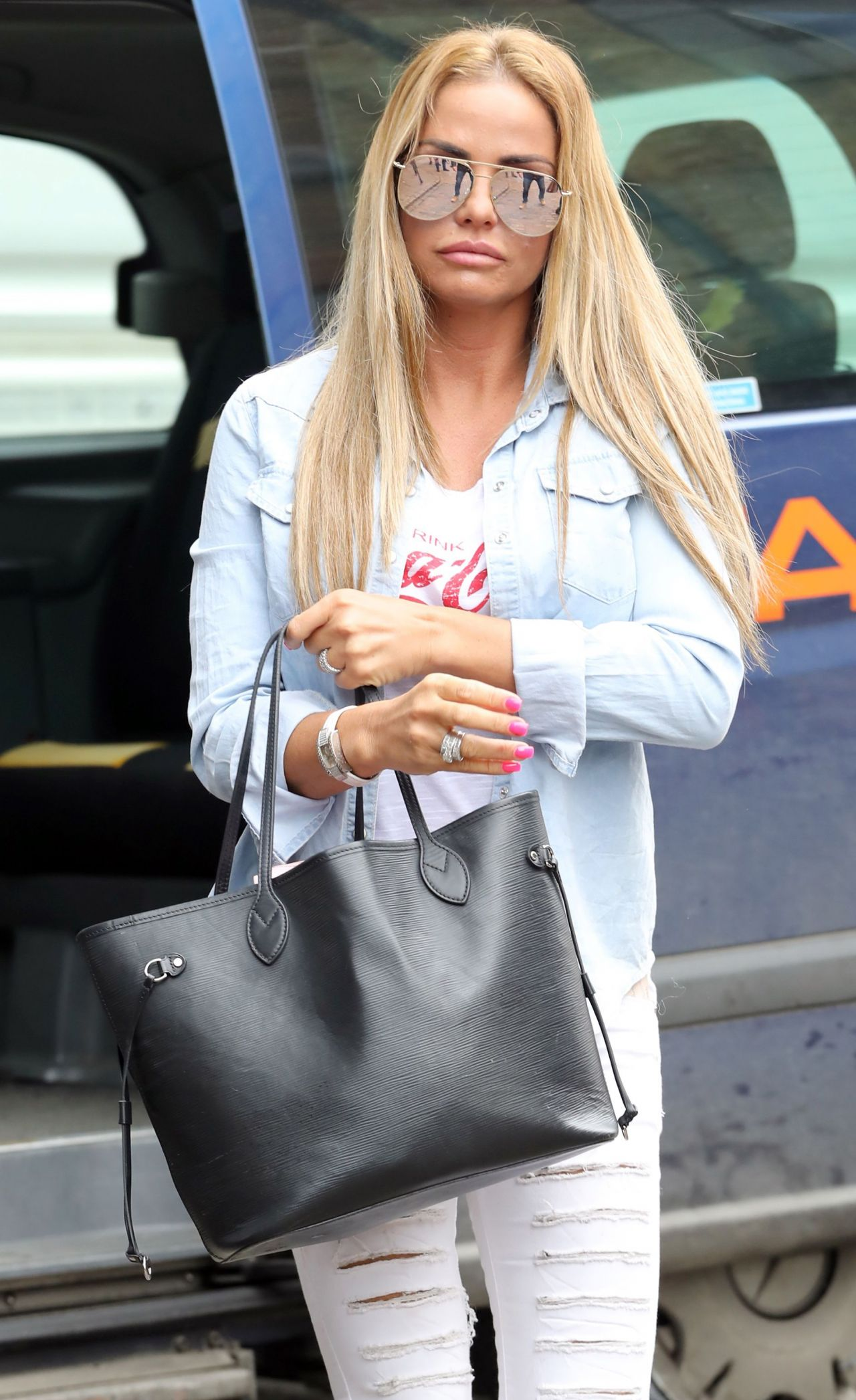 Filming In Progress The Most Beautiful Actress In The World: Katie Price In Casual Attire