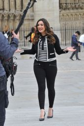 Kelly Brook Style and Fashion Inspirations - Filming in Paris 3/22/ 2017
