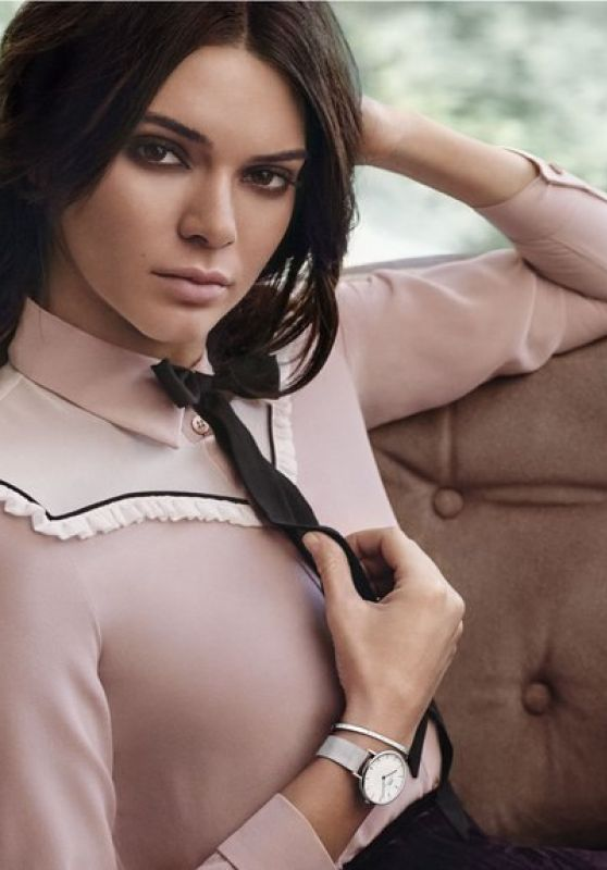 Kendall Jenner - Daniel Wellington Classic Petite Collection 2017