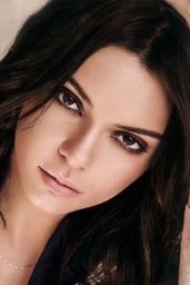 Kendall Jenner - Daniel Wellington Classic Petite Collection 2017