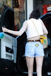 Kendall Jenner - Leaving Kreation Organic Juicery in Beverly Hills 3/9/ 2017