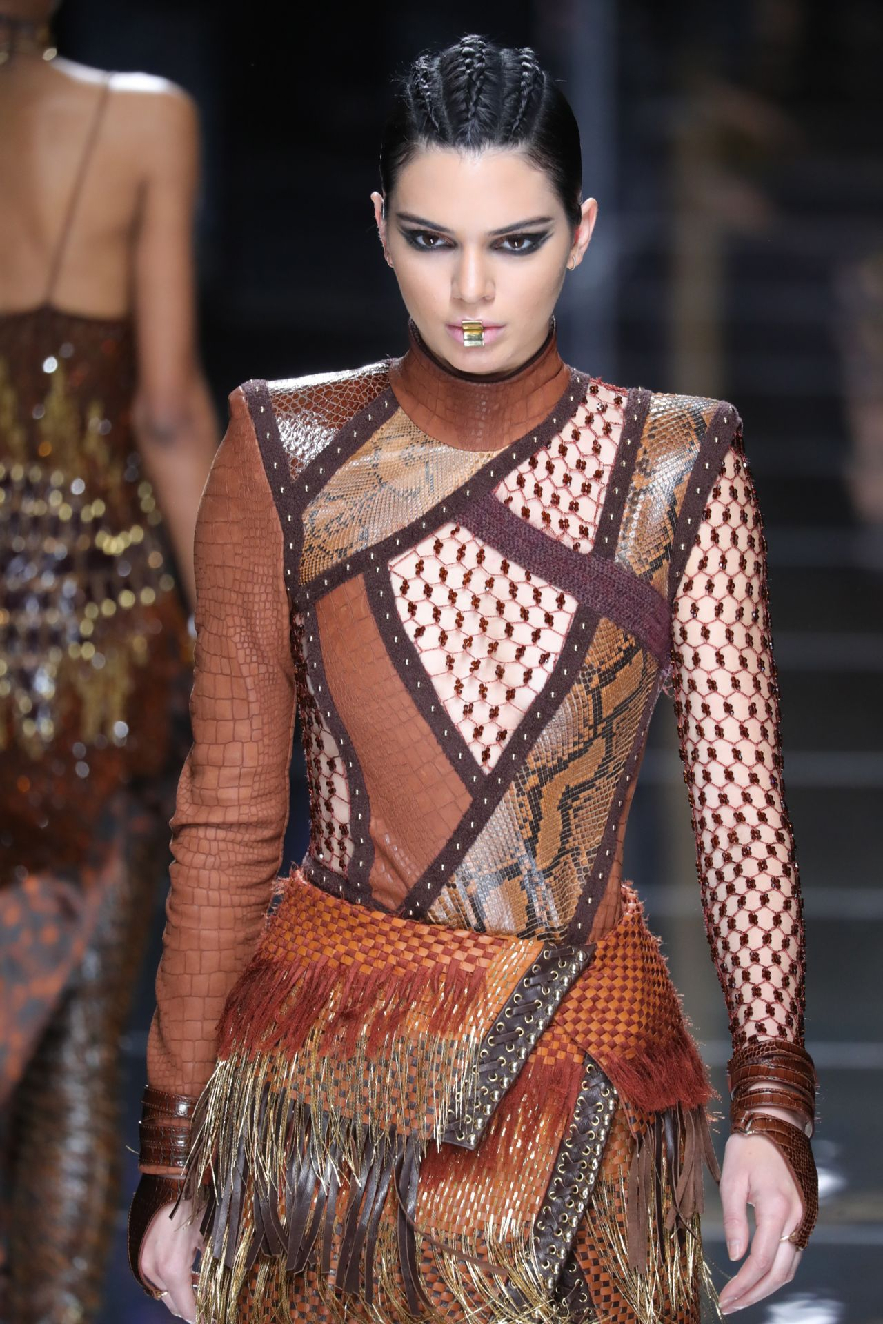 kendall jenner walks balmain show at paris fashion week 3 2 2017. Black Bedroom Furniture Sets. Home Design Ideas