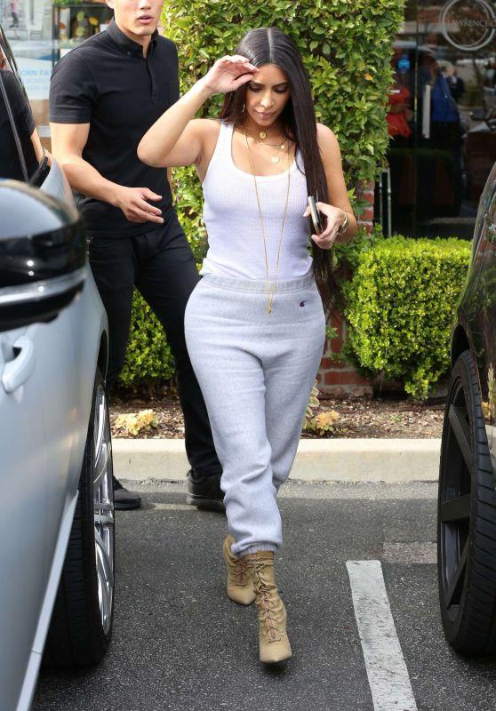 Kim Kardashian Street Style - Out in Calabasas 3/11/ 2017