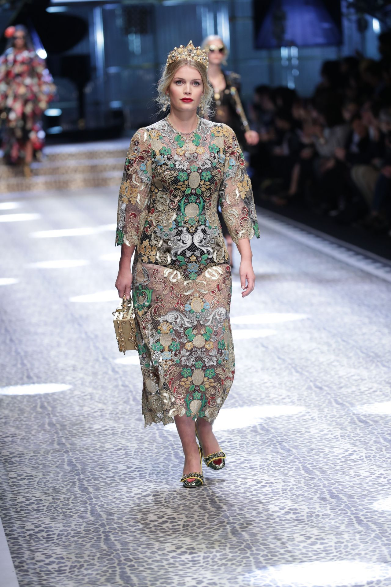 Kitty Spencer – Dolce Gabbana Show Runway on Milan fashion ...