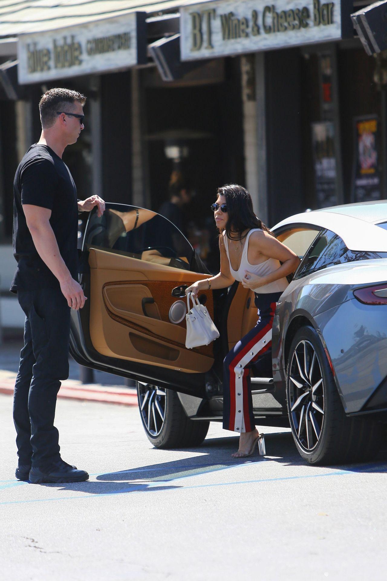kourtney kardashian and her gunmetal grey aston martin - out in la 3