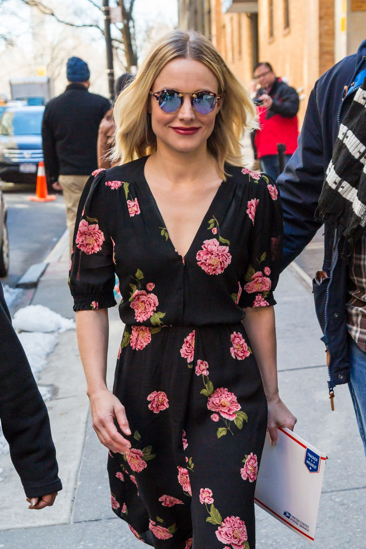 Kristen bell casual style midtown in new york
