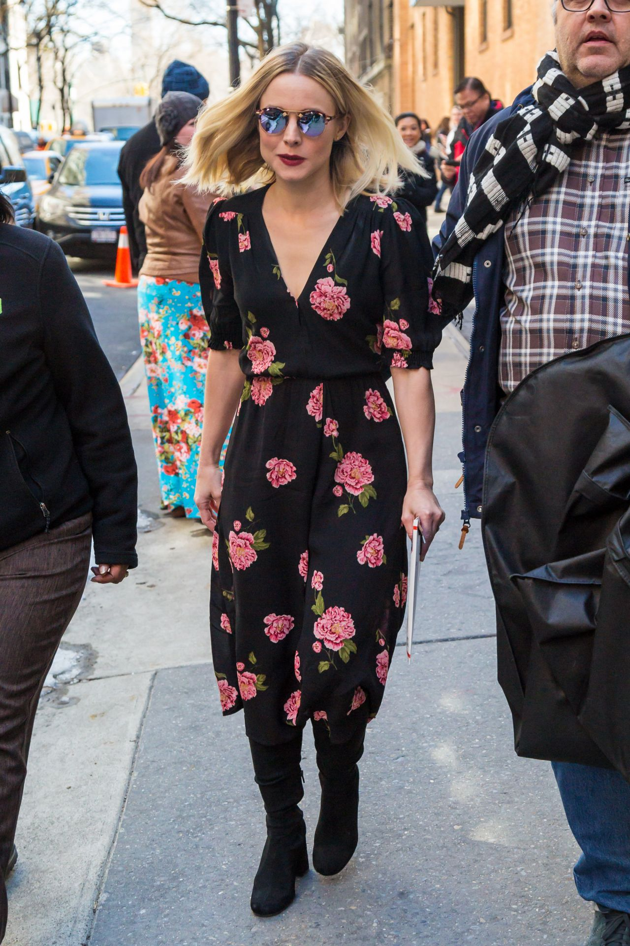 Kristen Bell Casual Style Midtown In New York 3 23 2017
