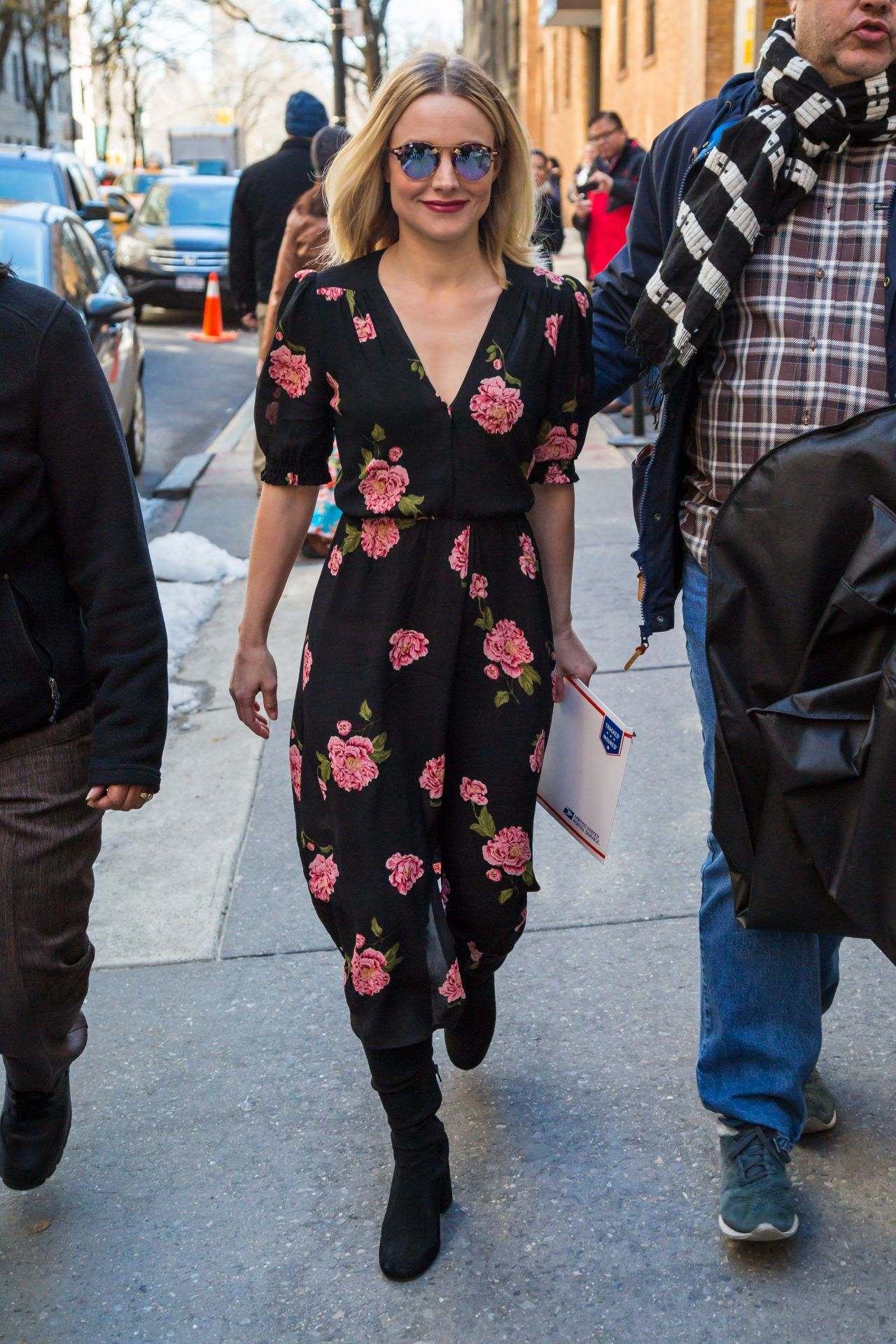 Kristen bell casual style midtown in new york naked (73 image)