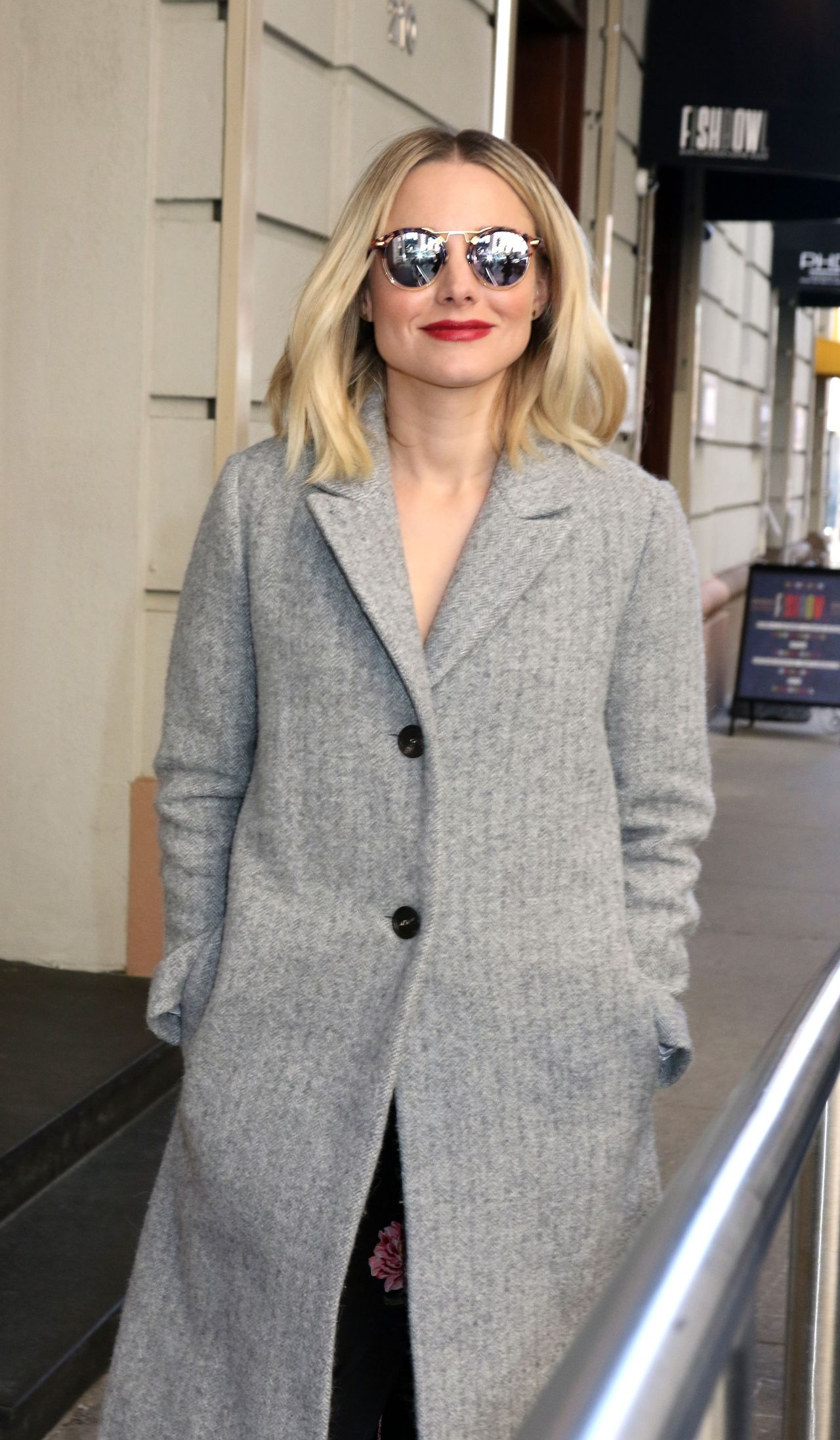 Kristen bell casual style midtown in new york - 2019 year