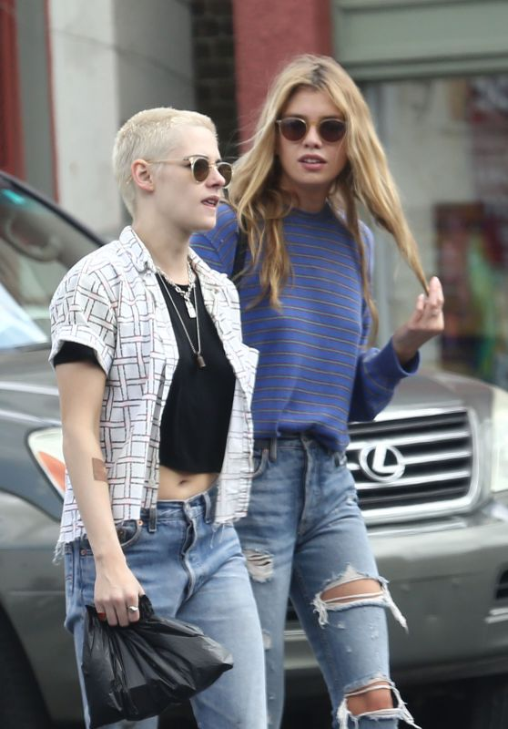 Kristen Stewart and Her Girlfriend Stella Maxwell - Out in New Orleans, March 2017