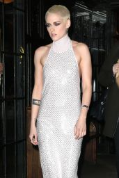 Kristen Stewart - Goes to the