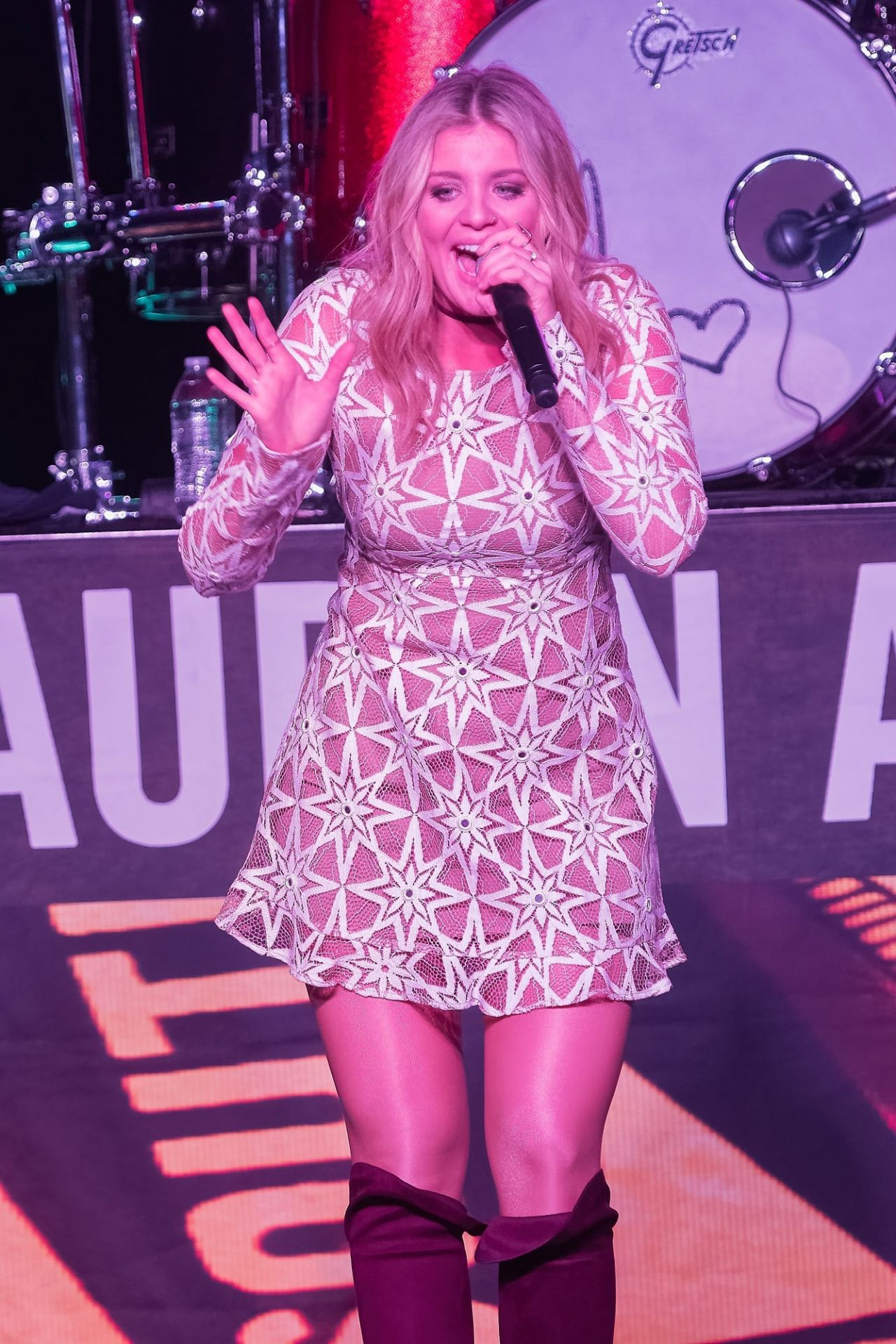 Lauren Alaina Runaway Country Music Fest In Kissimmee