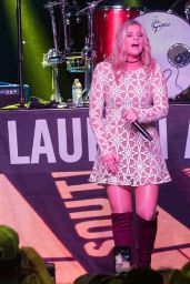 Lauren Alaina - Runaway Country Music Fest in Kissimmee, FL 3/19/ 2017