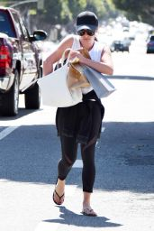 Lea Michele - Leaving the Montana Ave Shopping Mall in Los Angeles 3/27/2017