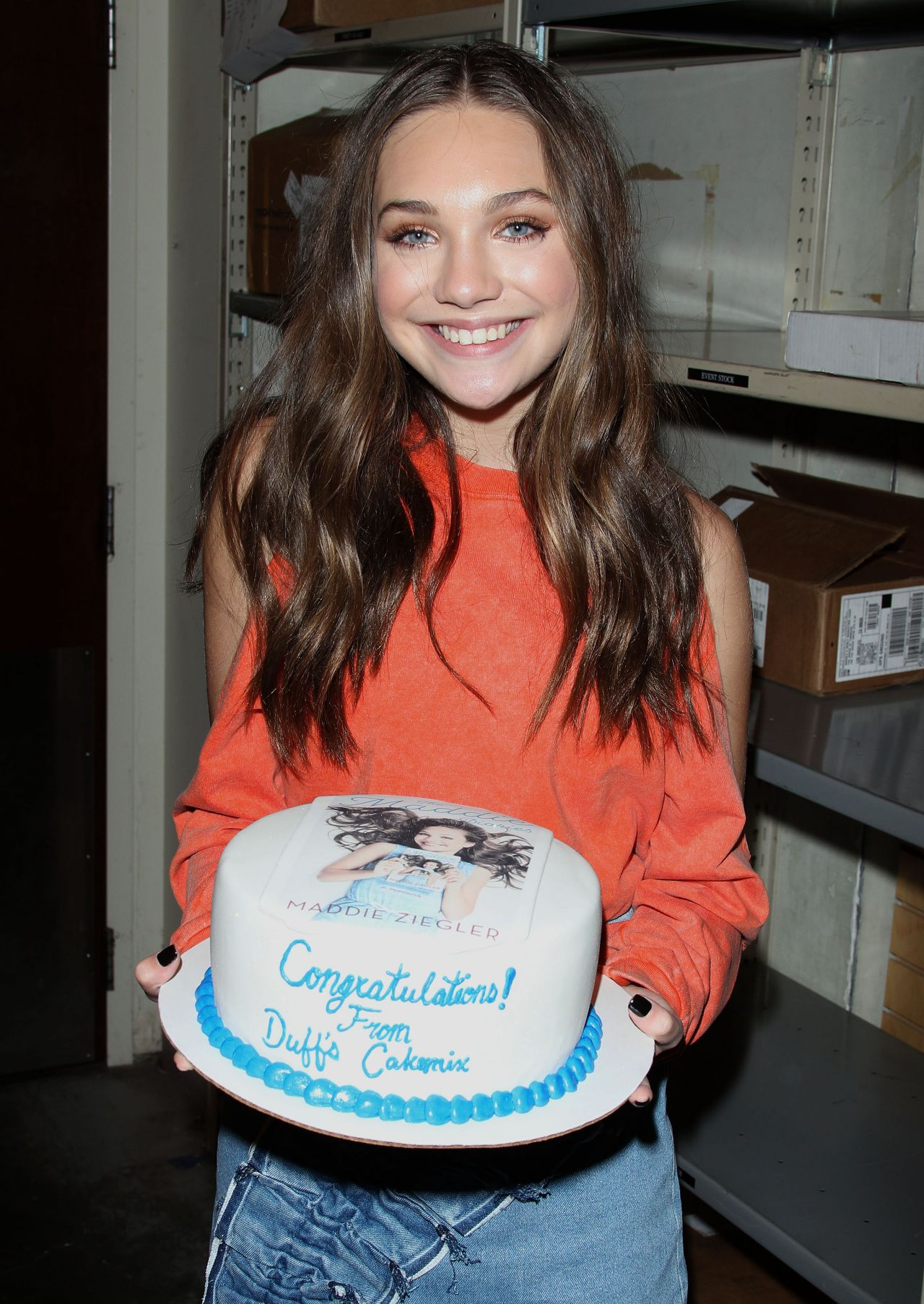 Maddie Ziegler Signing Copies Of The Maddie Diaries At