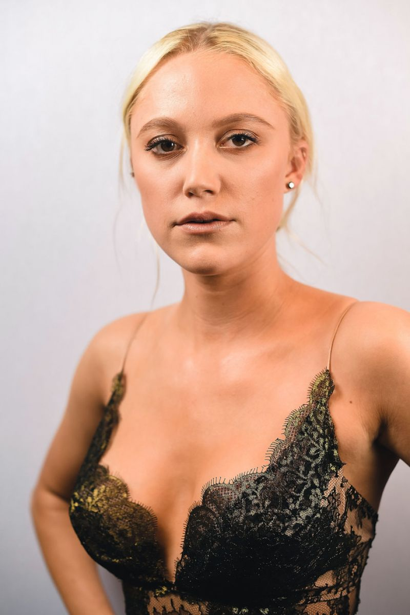braless Hot Georgia Toffolo naked photo 2017