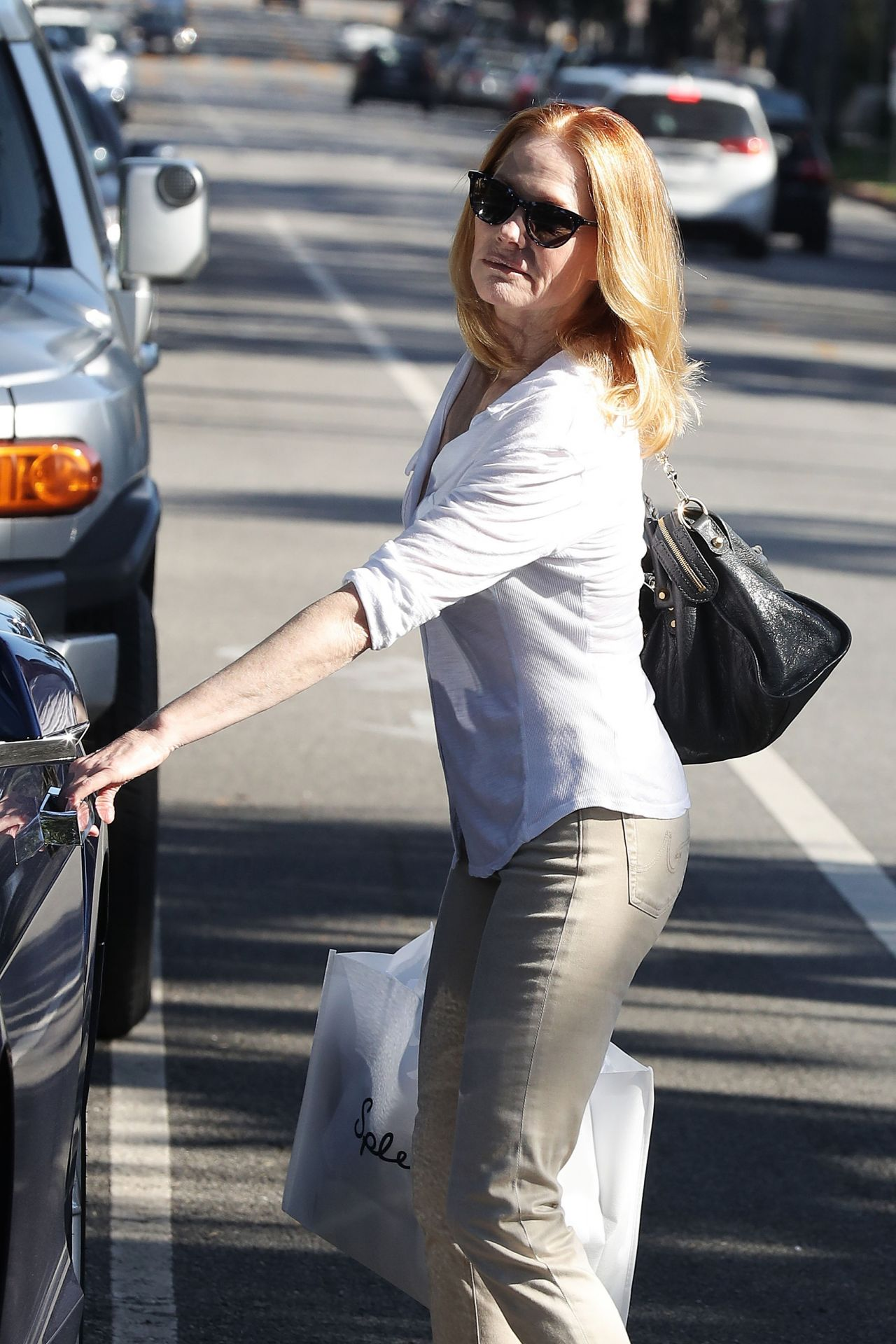 Marg Helgenberger Casual Style Shopping At Splendid In