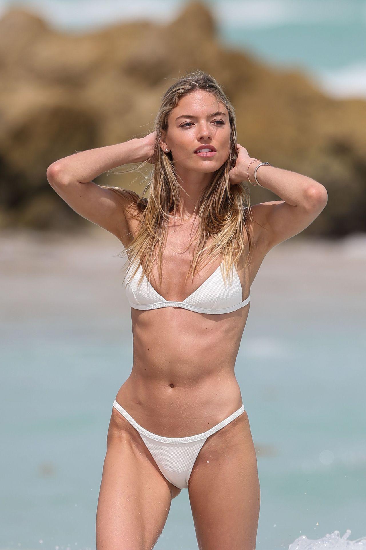 white bikini beach pron pictures - disneydiscount