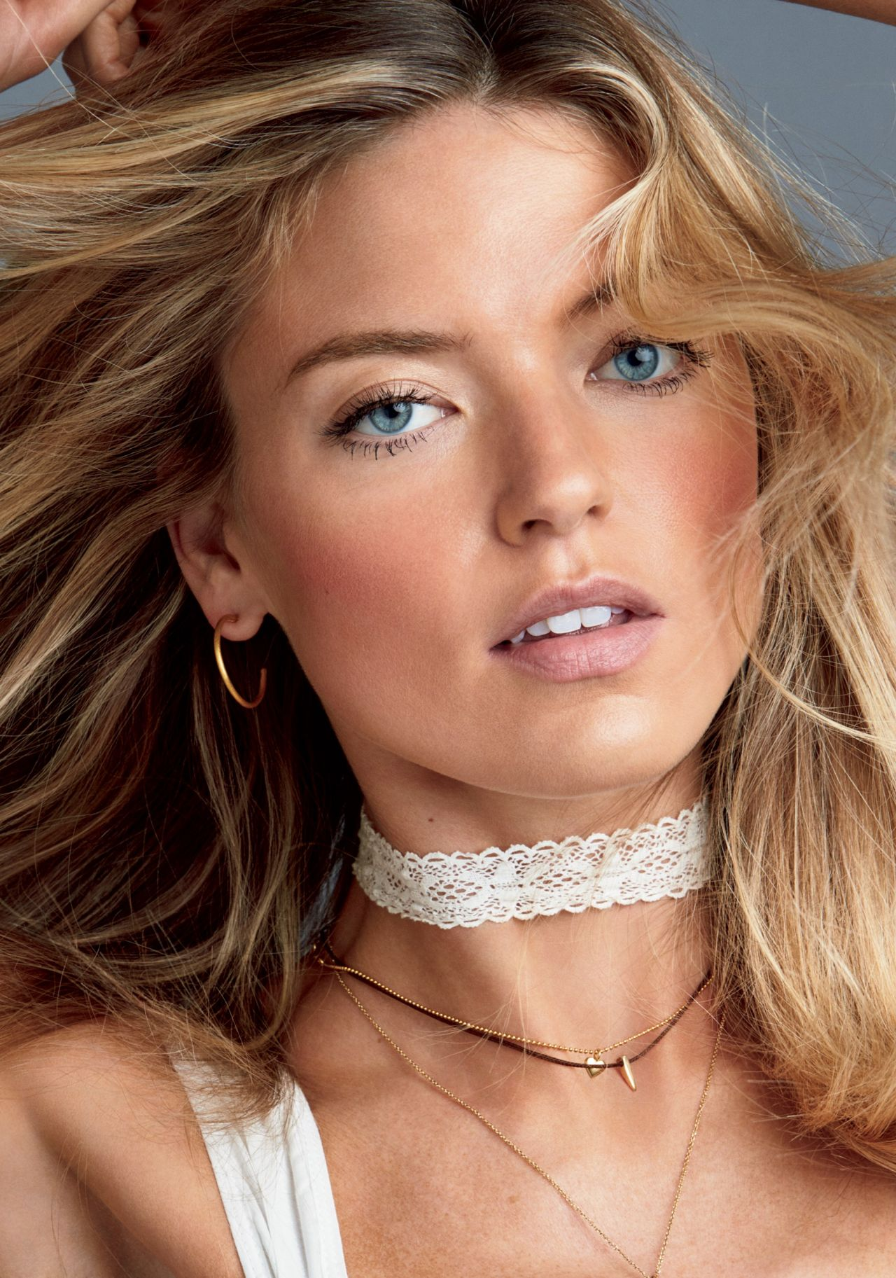 Martha hunt photo glamour march 2019