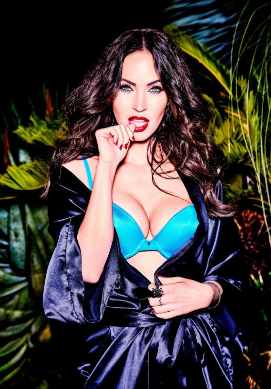 Megan Fox - 'V' Magazi...
