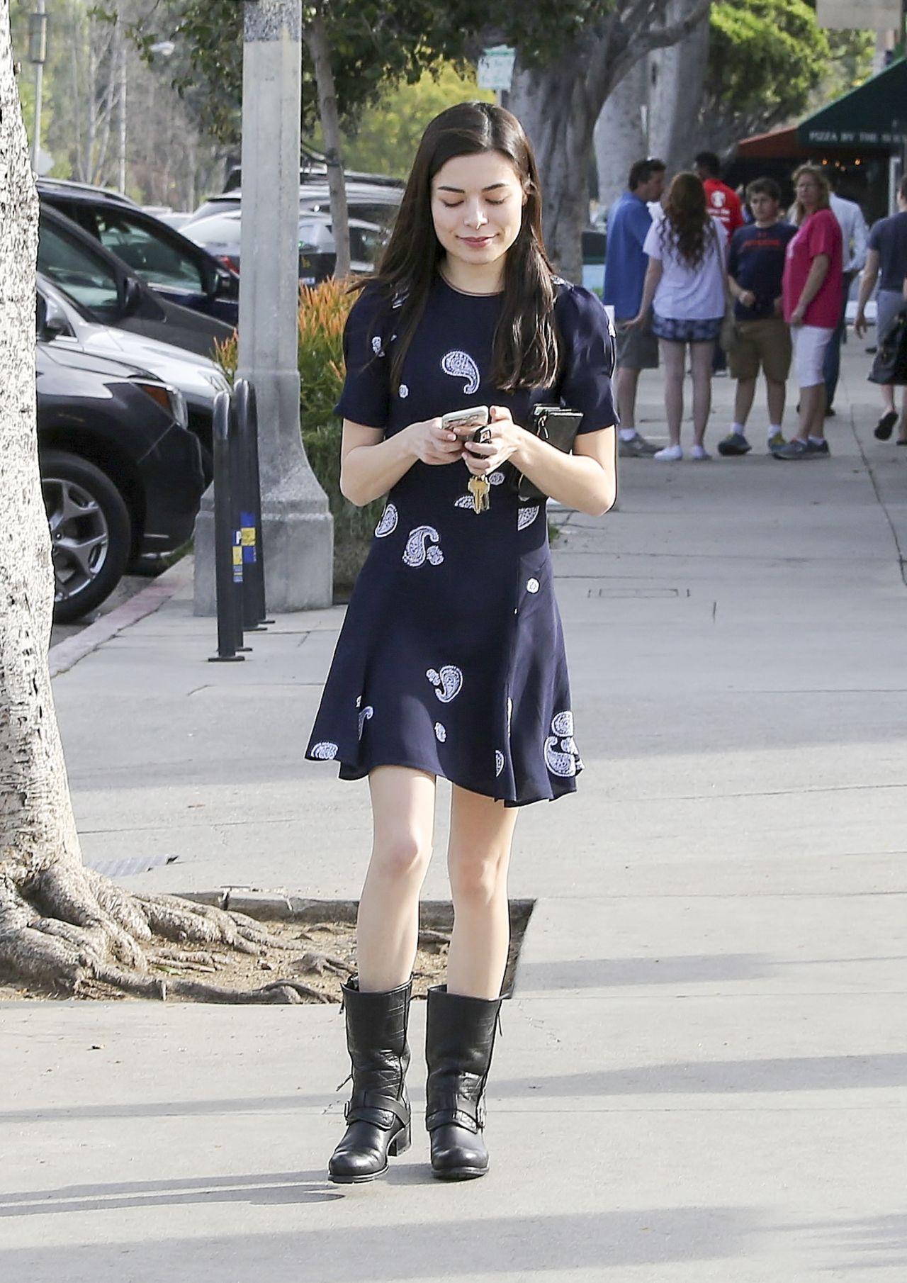 Miranda Cosgrove Cute Style Los Angeles California 3 14