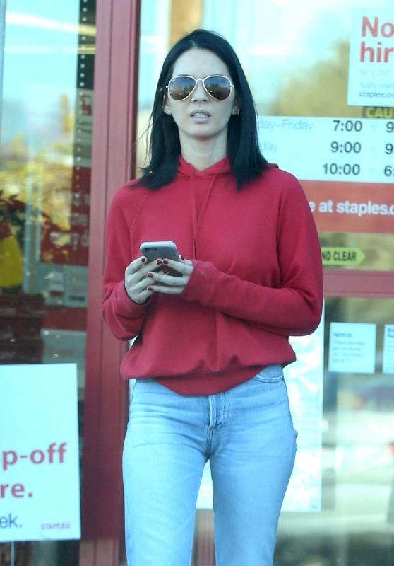 Olivia Munn - Shopping at Staples in Los Angeles 3/1/ 2017