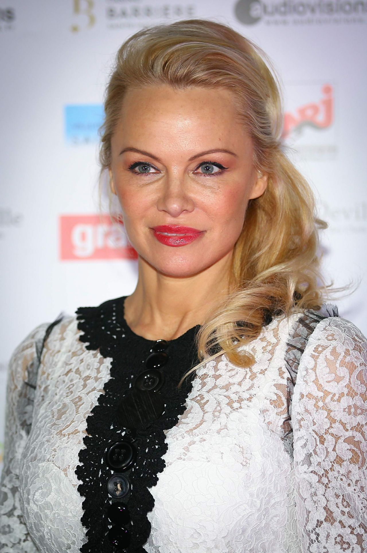 Pamela Anderson - Pamela Anderson Foundation Gala in ... Pamela Anderson