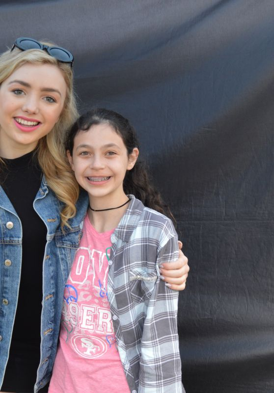 Peyton Roi List - Fan Meet & Greet at KIDTOPIA Festival in Sacramento 3/25/ 2017