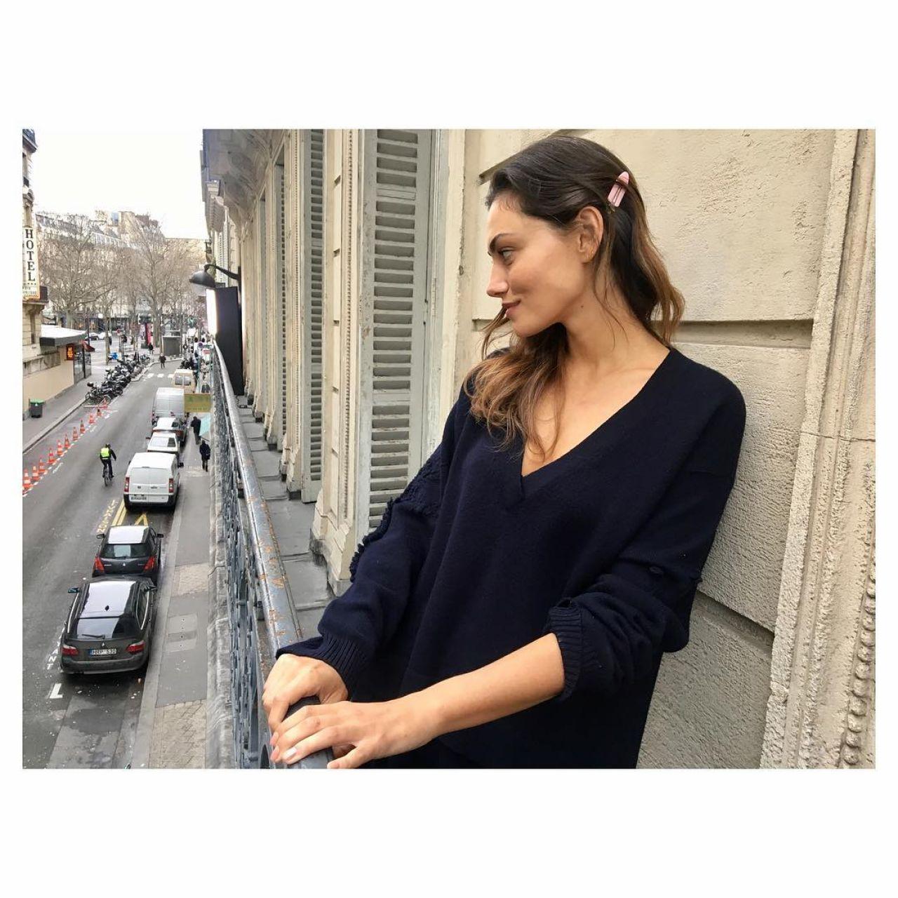Phoebe Tonkin Social Media Photos 3/25/ 2017