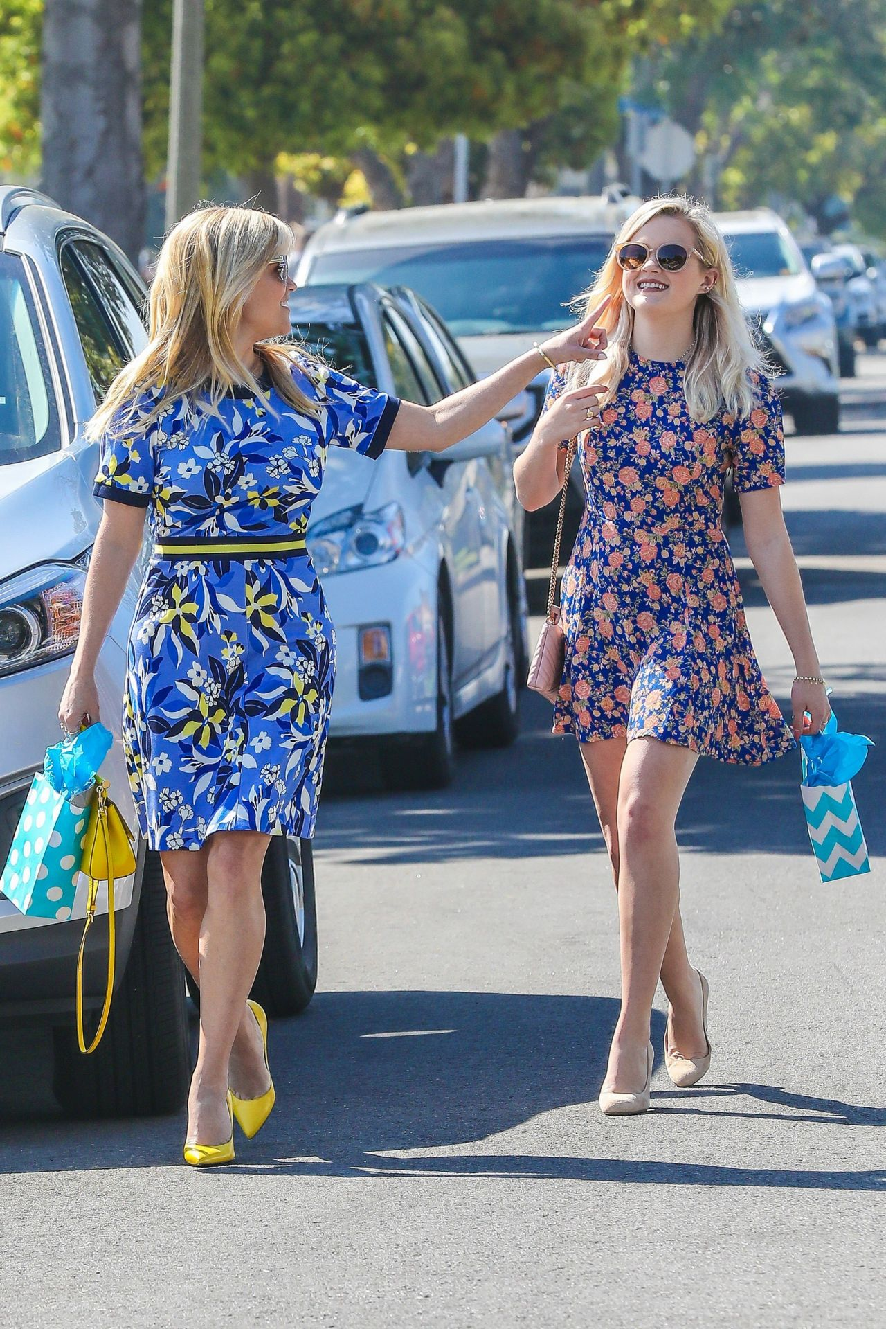 Congratulate, ava witherspoon upskirt Seldom.. possible