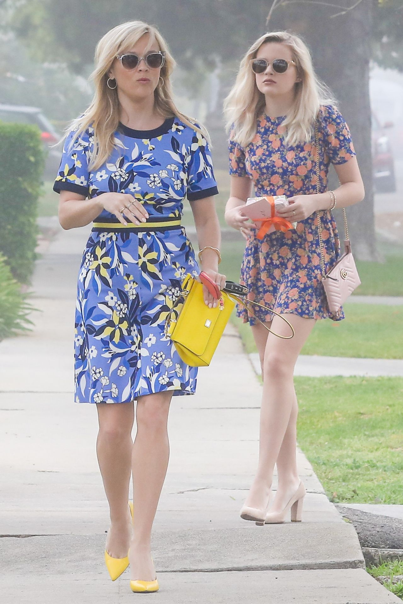 Reese Witherspoon Out With Her Daughter Ava Elizabeth